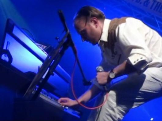 Andy Ray Haverda je rock´n´roll klavírista a spevák.
