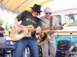 Najobľúbenejšie slovenské bluesové duo Ľuboš Beňa & Bonzo Radványi hrali na festivale v Moskve.