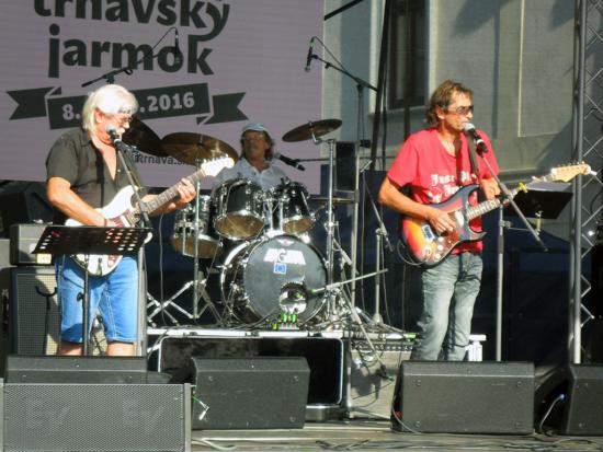bluesova-svokra-trnavsky-jarmok
