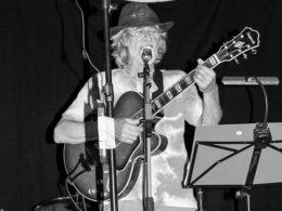 Teo Bindas zahral na bluesovej akcii Modrý štvrtok v Trnave