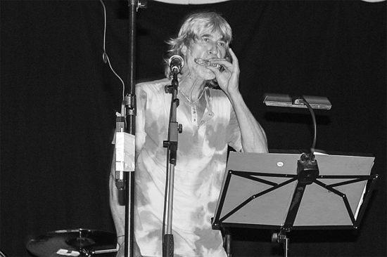 Teo Bindas na bluesovom koncerte Modrý štvrtok v Trnave