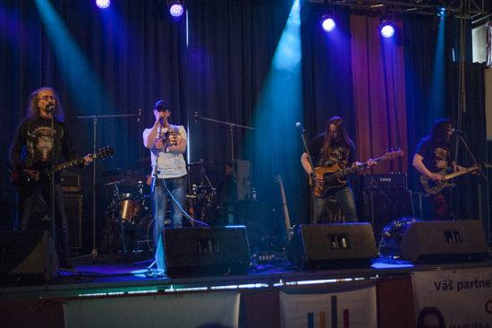 V Kolíne vystoupili veteráni českého jižanského rocku skupina Pumpa
