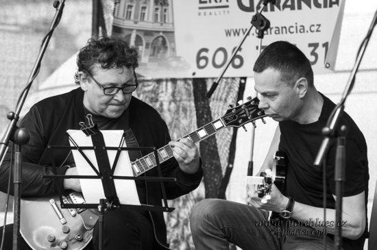 Jako první se v Kolíne objevilo domácí kolínské Jazz Duo