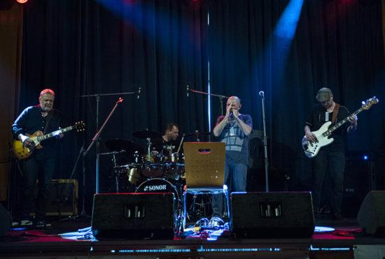 Českou bluesovou scénu zastoupil v Kolíne Luboš Andršta jeho Blues Band