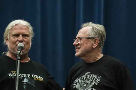 Moderátorkolínkého festivalu Jaroslav Foršt a Andrzej Matysik