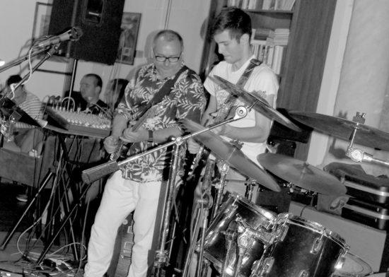 Paľo Hrnčirík a Walter Bartoš ml. koncert W Band v trnavskej Synagóga Café