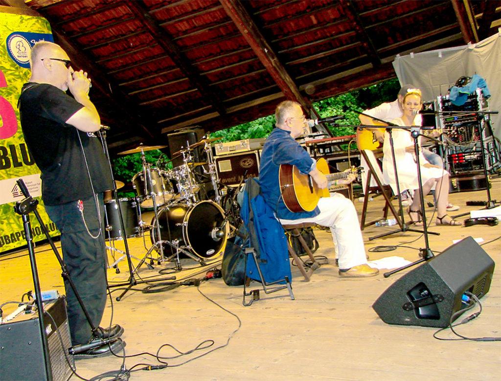 Slovenskí bluesový hudobníci zahrali na festivale Front Porch Blues czyli Lauba Pelna Bluesa 2017 v poľskom Chorzówe