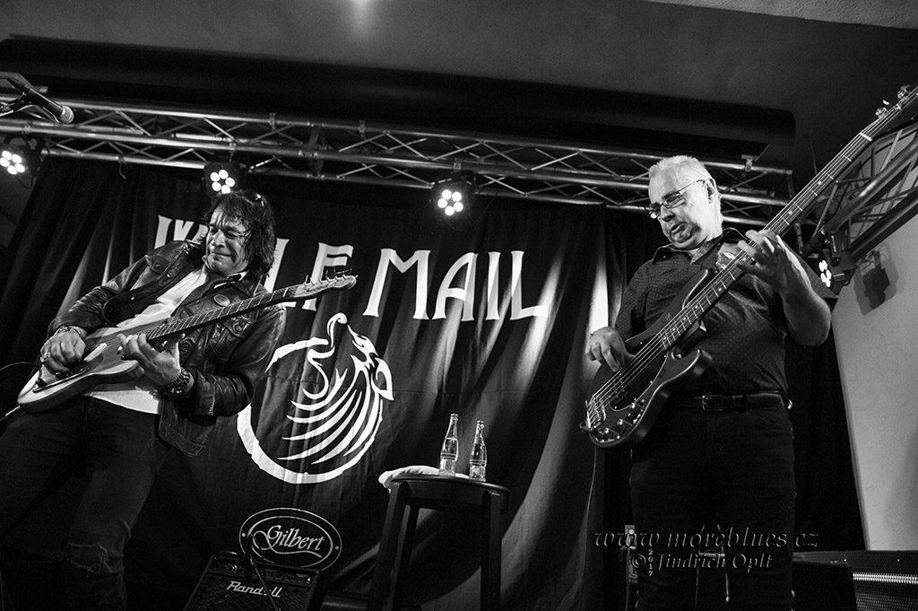 Kytarista a spevák Wolf Mail přijel zahrát do Kolína