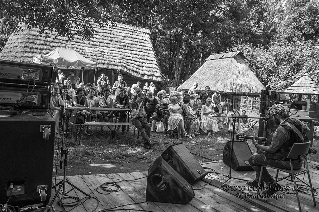 Tomek Kruk na festivalu Fron Porch Blues 2017