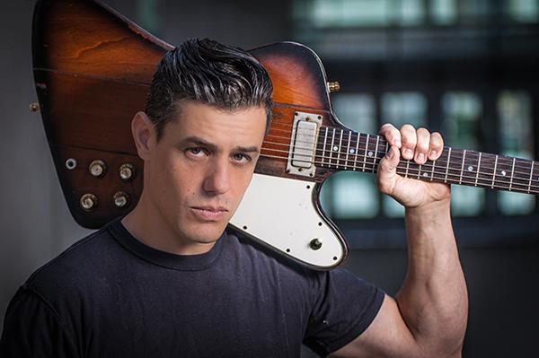 Na festivale Hudba v Meste 2017 v Skalici zahrá spevák a gitarista Nick Schnebelen so svojim bandom