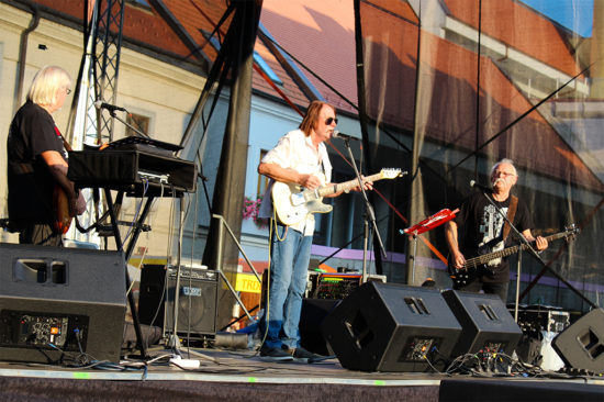 Kapela The Breakers ponúkla bigbítové hity na Trojičnom námestí v Trnave