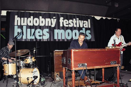 V sobotu 11. novembra 2017 sa v klube Music a Café v trnavskej City Aréne uskutočnil už 8. ročník medzinárodného hudobného festivalu Blues Moods 2017