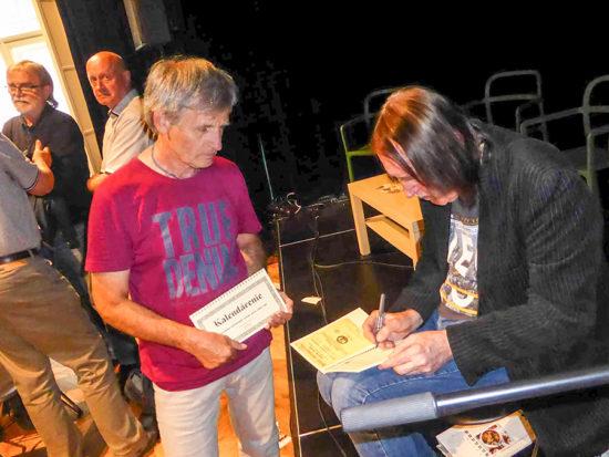 V Trnave sa konal krst knihy Kalendárenie od Bonza Radványiho. Nuž a aká by to bola prezentácia knihy bluesmana bez poriadneho blues?