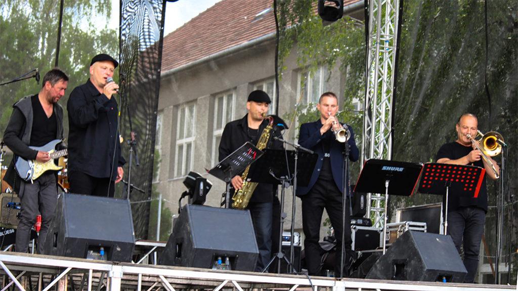 Koncert kapely Blues 8 v Seredi na Seredskom hodovom jarmoku