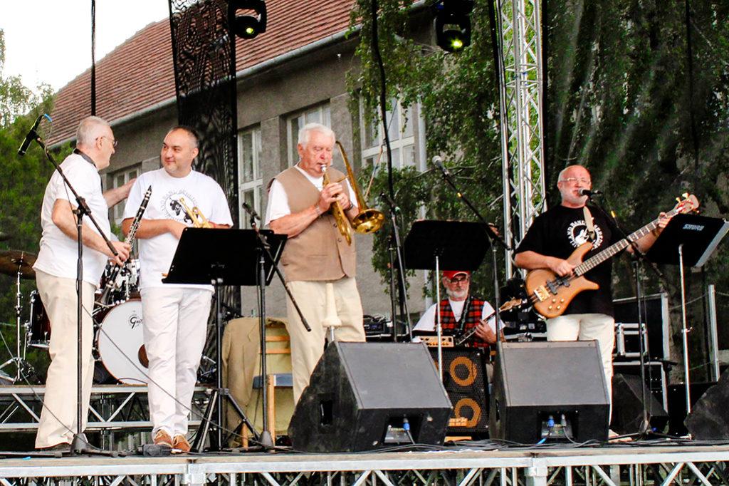 Seredský Dixieland Band na Seredskom hodovom jarmoku 2018