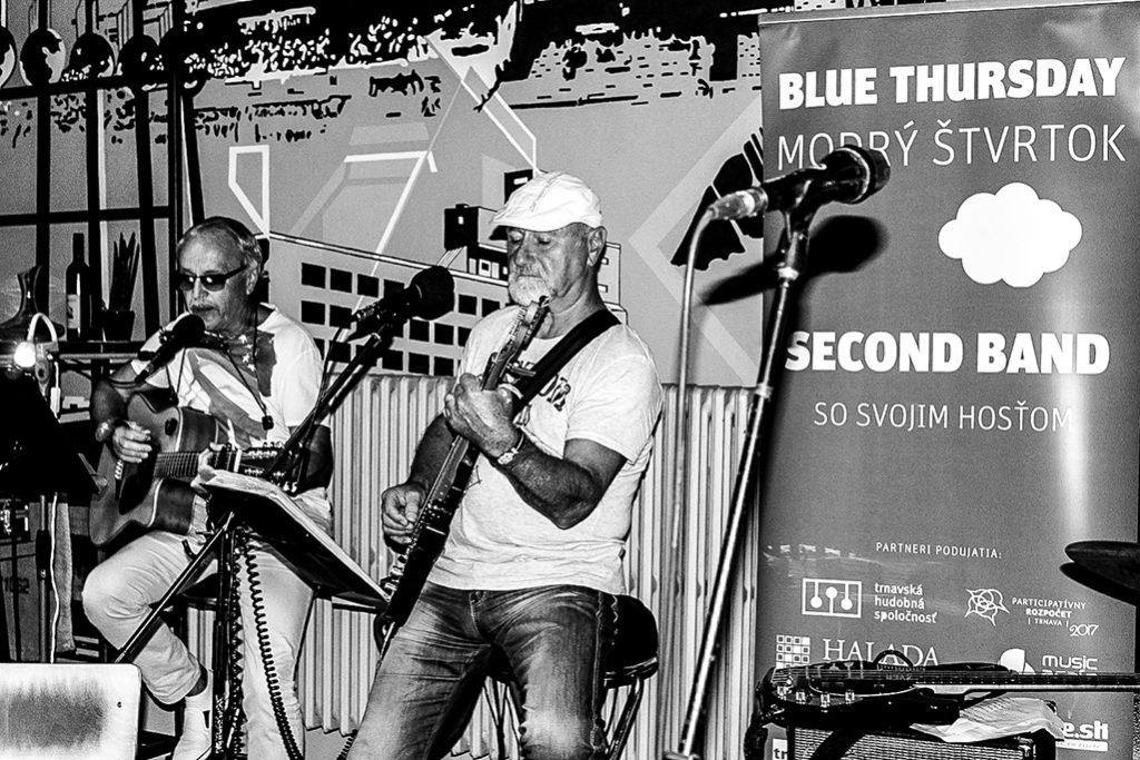 Modrý štvrtok s Duom Live Guitars vo Vodáreň Craft Bistro v Trnave