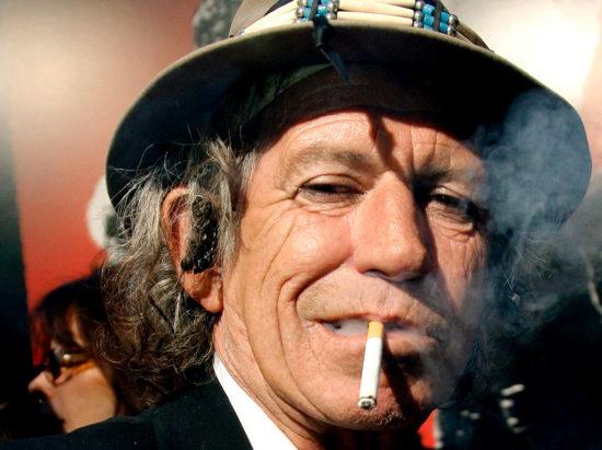 Keith Richards z kapely The Rolling Stones slávi 75. narodeniny