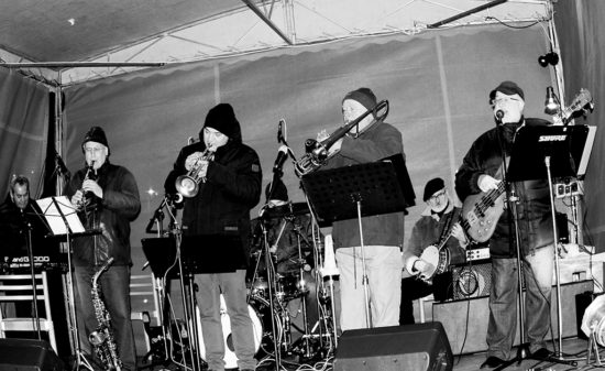 Seredský Dixieland Band na vianočných trhoch 2018 v Seredi