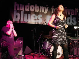 Slovenská bluesová speváčka Silvia Josifoska