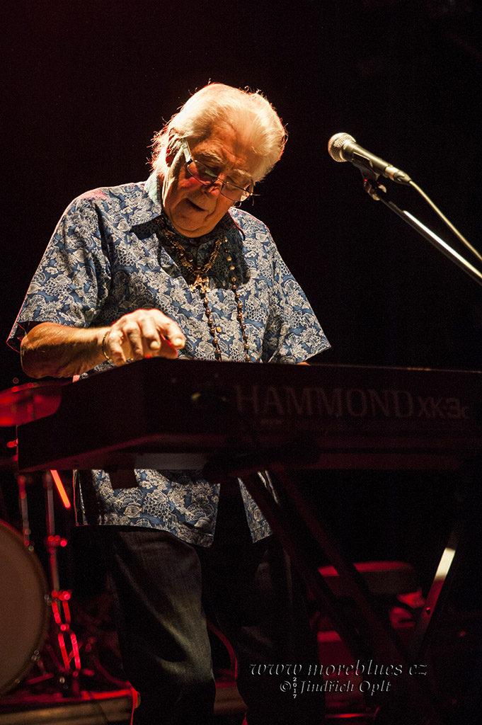 John Mayall koncertoval v Praze v divadle Archa