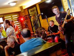 Česká kapela The Bladerstones pokrstila nový album na Slovensku