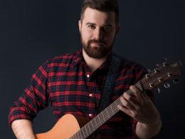 Slovenský bluesový spevák a gitarista Štefan Uhriňak alias Tony Bigmouth Person