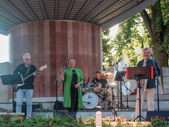 Neznámi a Staré dobré časy band v Piešťanoch
